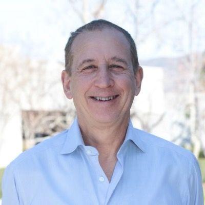 Picture of Robert Mueller smiling